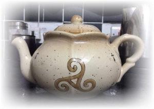 Triskele teapot